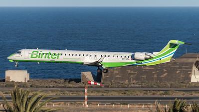 Binter Canarias / Canadair CRJ-1000 / 9H-MPA