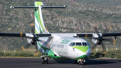Binter Canarias / ATR 72-500 / EC-MHI