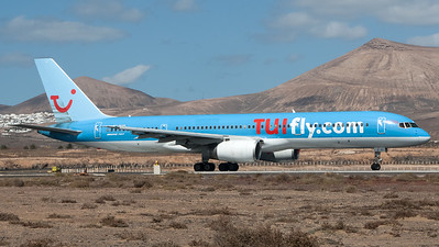 Tuifly Nordic / Boeing B757-236 / SE-DUO