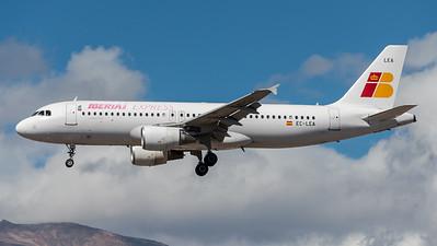Iberia Express / Airbus A320-214 / EC-LEA