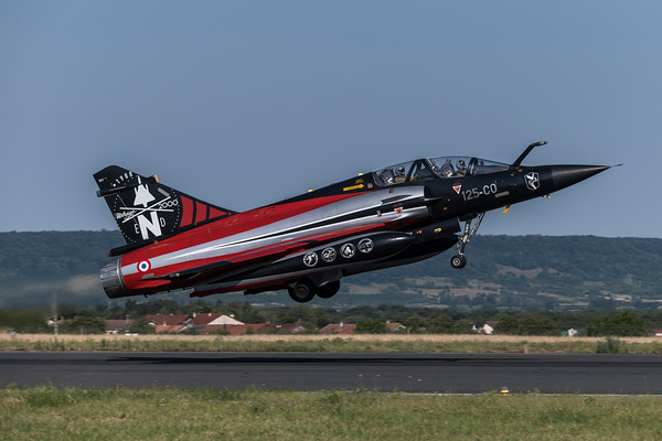French Air Force EC 2-4 / Dassault Mirage 2000N / 357 125-CO / 2000N Flyout Livery