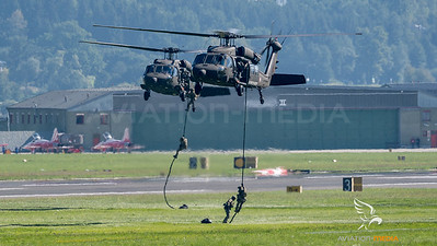 Austrian Air Force / Sikorsky S-70 Blackhawk / 6M-BB & 6M-BF