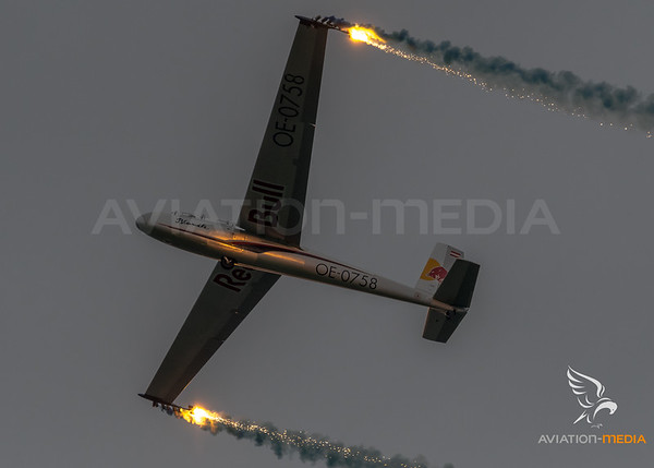 Private / Blanik L-13 / OE-0758 / Red Bull Livery