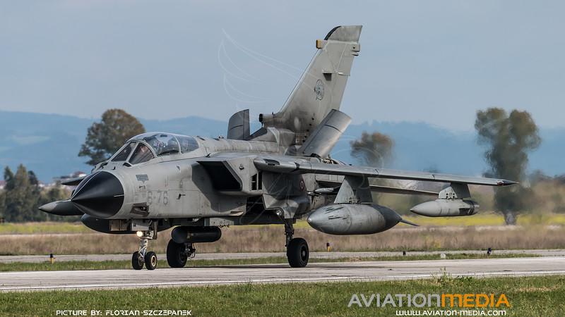 ItAF 6 Stormo / Panavia Tornado IDS / MM7044 6-76