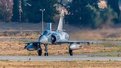 HAF 332 Mira / Dassault Mirage 2000 EGM / 212