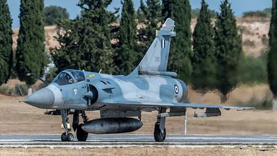 HAF 332 Mira / Dassault Mirage 2000 EGM / 242