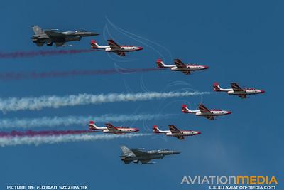 Polish Air Force / Lockheed Martin F-16C-52 Fighting Falcon & 6 PZL TS-11 Iskra / 4052 4060 & Team Iskra