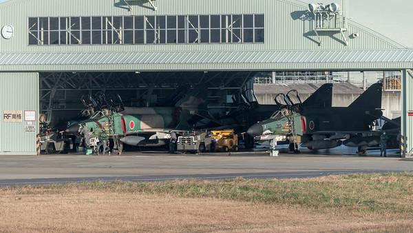 JASDF 501 Hikotai / McDonnell Douglas RF-4EJ Phantom II, RF-4E Phantom II / 77-6397, 47-6901 & 47-6903 & 57-6909