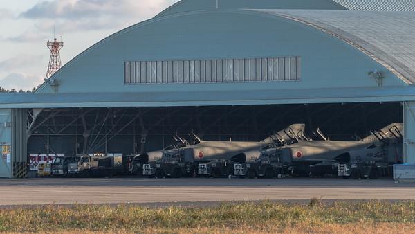 JASDF 301 Hikotai / McDonnell Douglas F-4J Phantom II / 07-8435 & 07-8434 & 17-8439