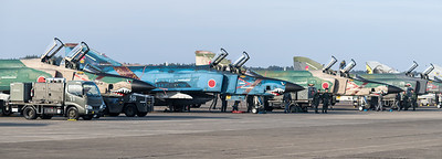 JASDF 501 Hikotai / McDonnell Douglas RF-4E Phantom II / 57-6909, 47-6901 & 57-6907