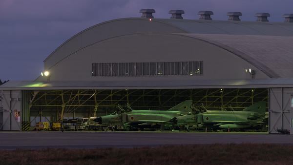 JASDF 301 Hikotai / McDonnell Douglas F-4J Phantom II / 17-8437 & 07-8436