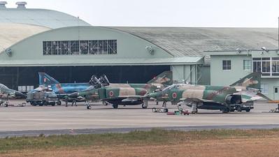 JASDF 501 Hikotai / McDonnell Douglas RF-4E Phantom II / 57-6909 & 57-6907 & 47-6901