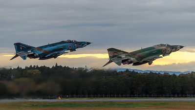JASDF 501 Hikotai / McDonnell Douglas RF-4E Phantom II / 47-6901 & 57-6907