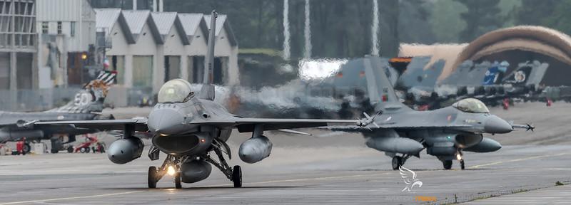 Portuguese Air Force Esq 301 / Lockheed F-16BM & F-16AM Fighting Falcon / 15120 & 15110