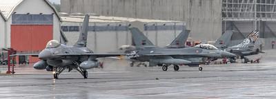 Portuguese Air Force Esq 301 / Lockheed F-16AM Fighting Falcon / 15104 & 15110