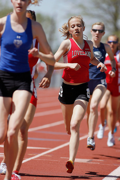 Loveland runs in the 5A 1600 Finals.