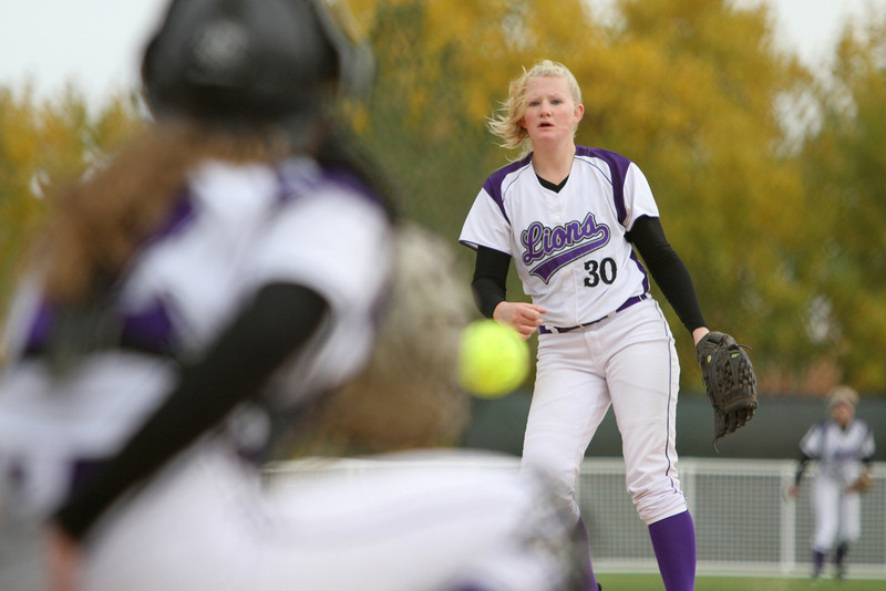 Mountain View senior Tori Bellington pitches to  junior Alyssa Morrison October 22, 2010 at the Colorado State softball tournament in Aurora Colorado.<br /> Photo by Jenn LeBlanc