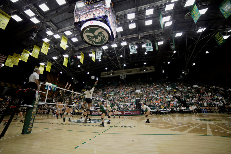 Jasmine Hanna (6), middle left, sophomore at Colorado State, jumps for a ball in the third set against the Wyoming Cowgirls on Tuesday, Oct. 13, 2015 in Fort Collins. The Rams won in three sets. (Photo by Trevor L Davis/Loveland Reporter-Herald)