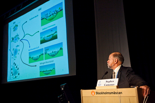 Steve Carpenter during his presentation on Thursday, 25 August 2011. Photo by the Stockholm International Water Institute under the Creative Commons license.