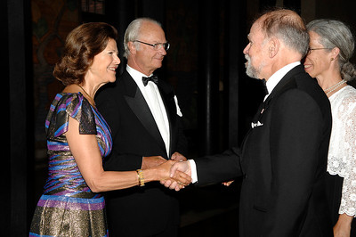 From right to left, Queen Silvia, King Carl XVI Gustaf, Steve Carpenter, Susan Carpenter. Photo by the Stockholm International Water Institute under the Creative Commons license.