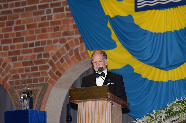 Steve Carpenter during his brief acceptance speech. Photo by the Stockholm International Water Institute under the Creative Commons license.