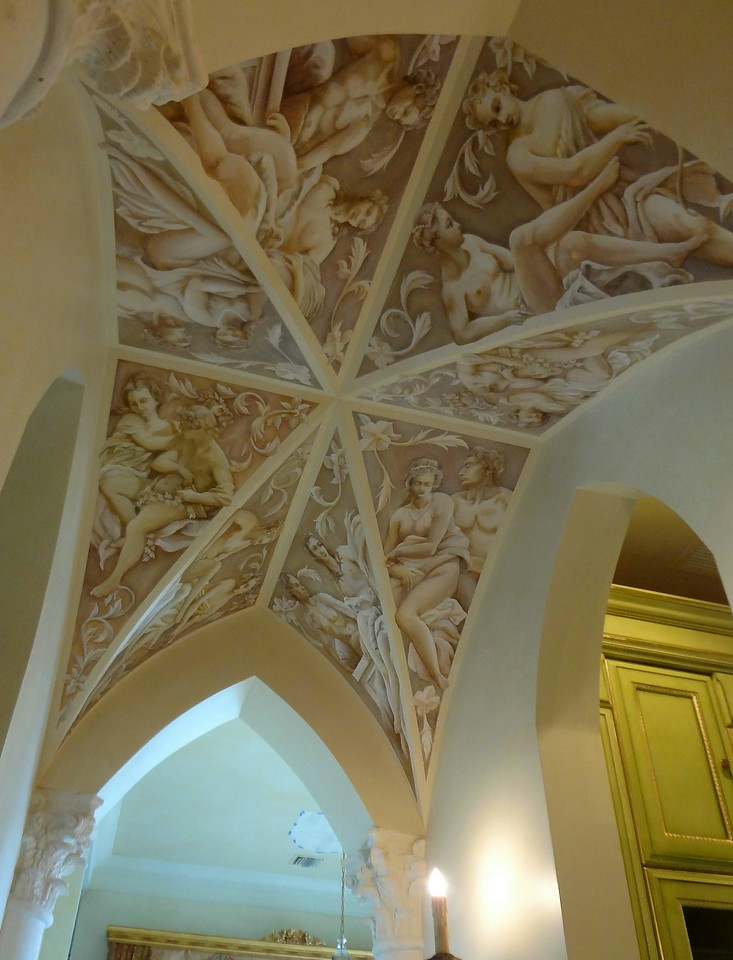 groin-arch ceiling with characters in grisaille style