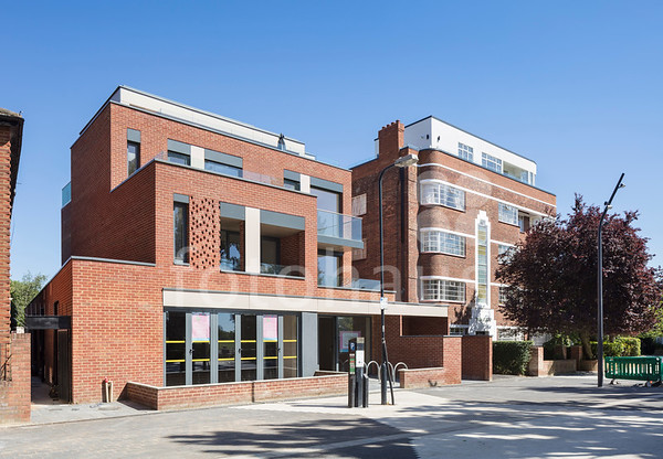 Chronicle Heights, Cricklewood