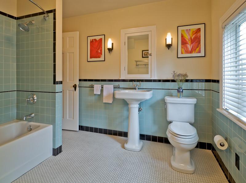 Lakewood bath remodel.  Client:  Axis Design-Build, Dallas.