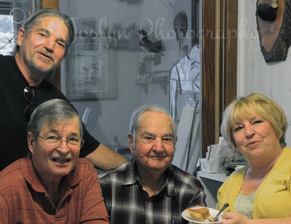 Family, missing only one, Bob was missing.   Thanksgiving Day, 11-2012.