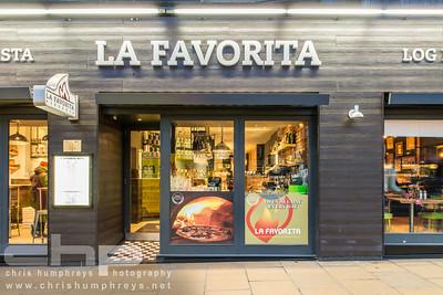File:Ex tienda La Favorita.jpg - Wikimedia Commons