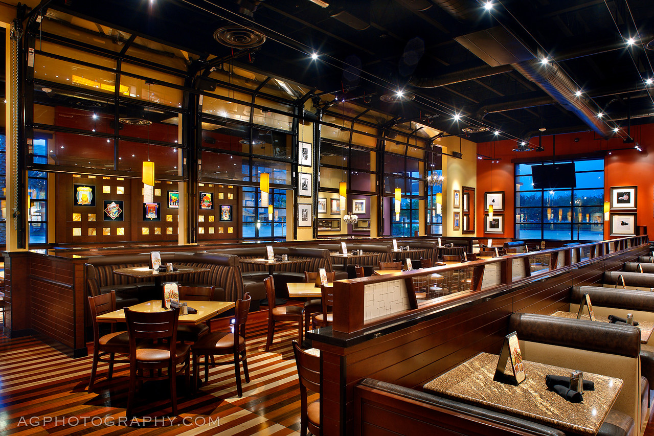 BJ's Brewhouse & Restaurant, The Woodlands, North Houston, TX, 4-22-11.