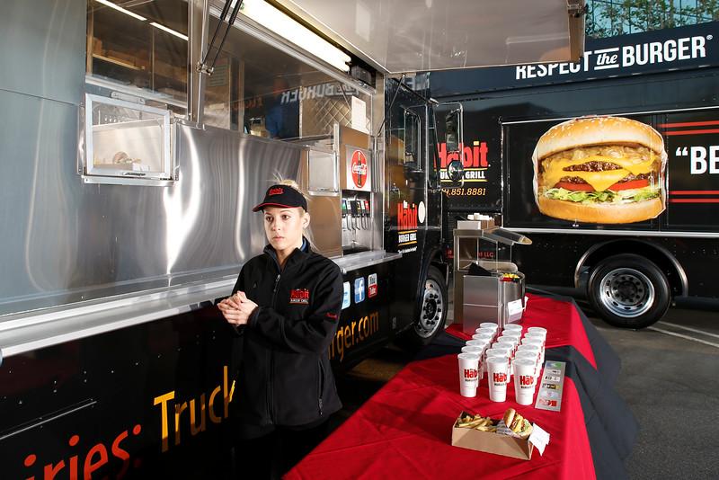THB-FoodTrucks-Cashier-011
