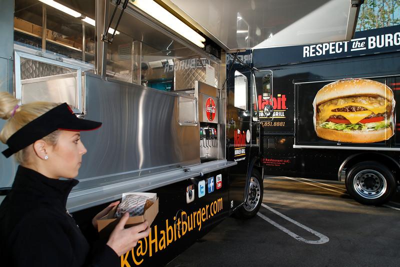 THB-FoodTrucks-Cashier-003