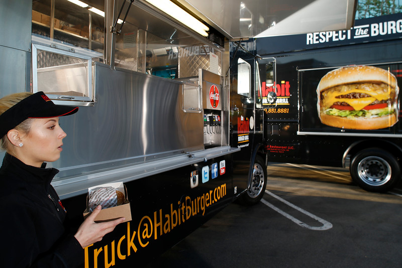 THB-FoodTrucks-Cashier-005