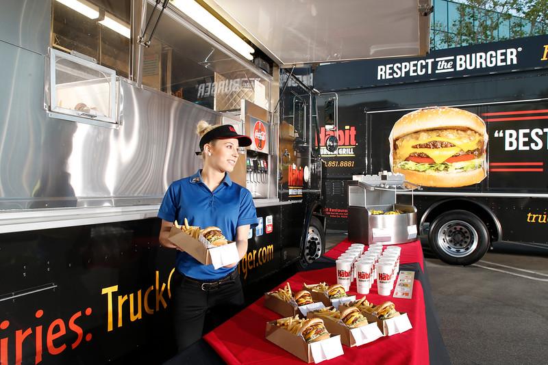 THB-FoodTrucks-Cashier-034