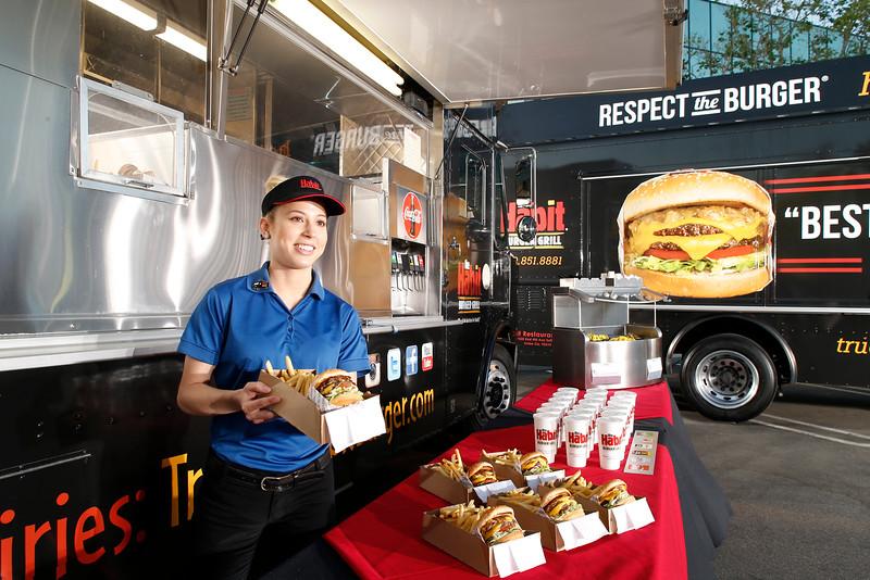 THB-FoodTrucks-Cashier-048