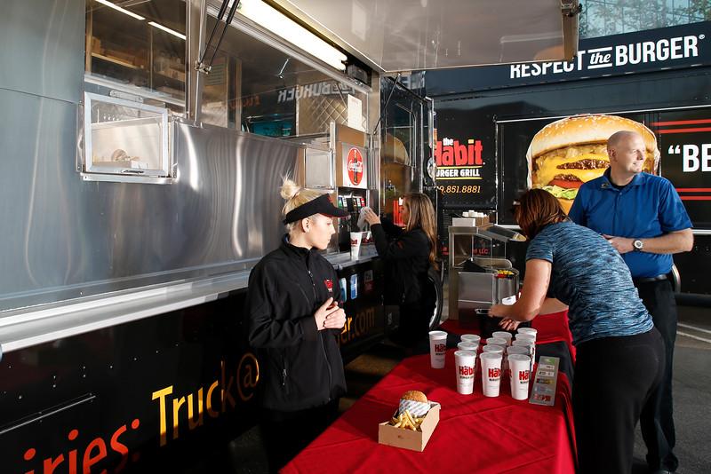 THB-FoodTrucks-Cashier-010