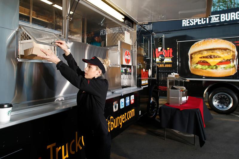THB-FoodTrucks-Cashier-007