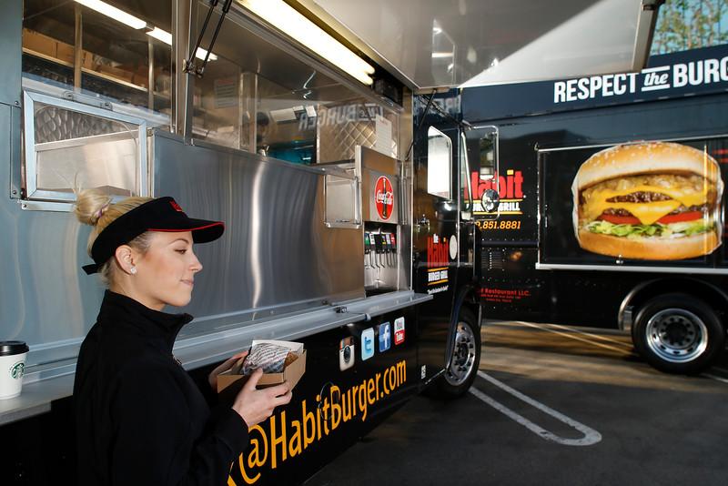 THB-FoodTrucks-Cashier-004