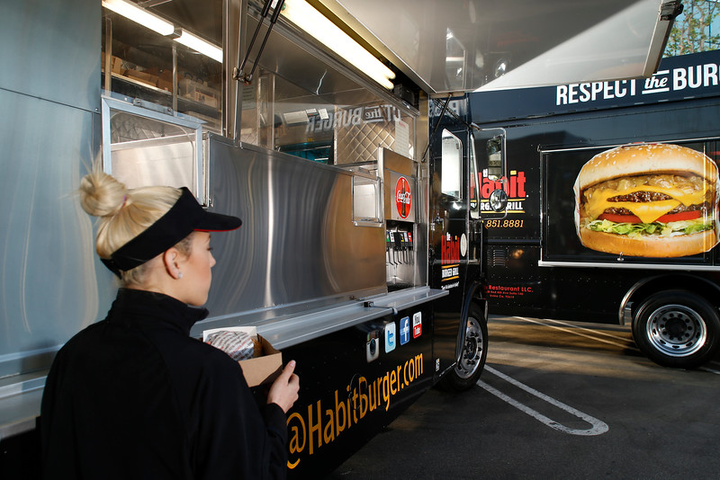 THB-FoodTrucks-Cashier-002