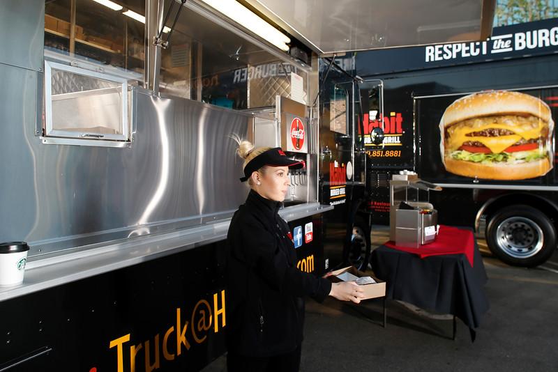 THB-FoodTrucks-Cashier-008