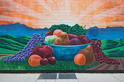 Hollister Fruit Mural
