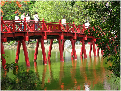 Red Bridge - Ann Jones Set - First place judge's choice and second place members' choice