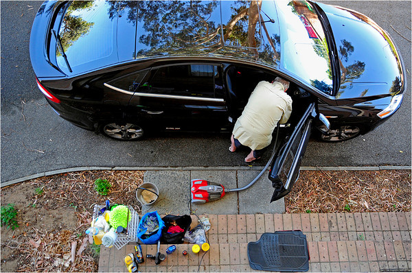 Cleaning the Car - Phil Burrows<br /> Set subject