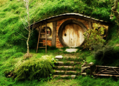 Hobbit Home - Kim McAvoy First place judge's choice and equal third place members' choice - Set