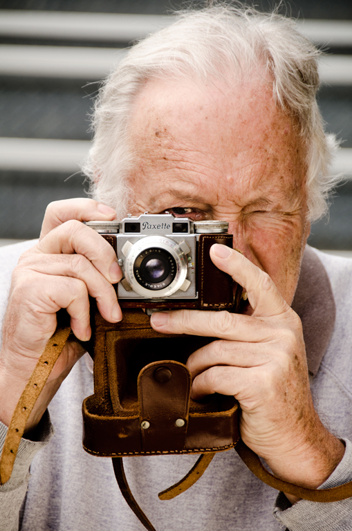 The Photographer - Kim McAvoy<br /> Set - Sixth place members' choice.