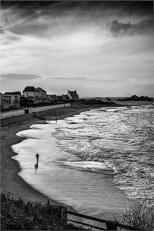 Coastal Stroll - Jocelyn Manning