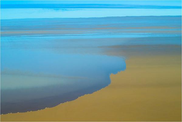 Lake Eyre in Flood - Richard Goodwin