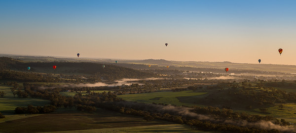 Ballooning in Northam - Ron Jackson