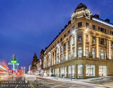 Apple Store, Edinburgh. Dusk Photography